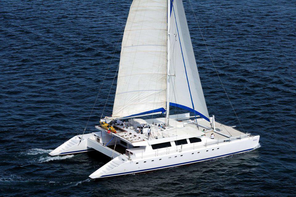 Amplio Catamarán en Renta en Los Cabos