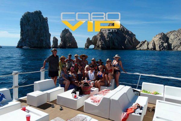 Renta un Yate o Catamaran para fiesta de año nuevo en Los Cabos